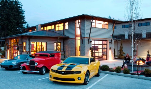 Garage Plus uses a variety of Self Storage Building materials to appeal to upscale audience.
