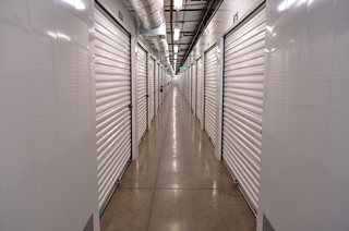Dollar Storage interior corridor.png
